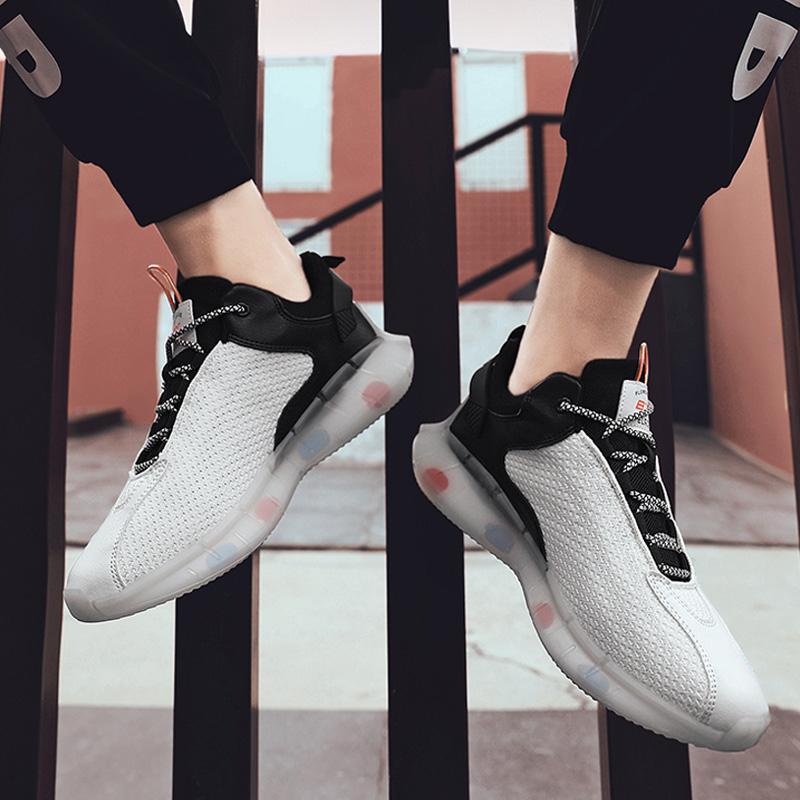 İlkbahar Sonbahar Erkekler Koşu Ayakkabıları Tripe Beyaz Siyah Üç Renk Erkek Yürüyüş Ayakkabıları Eğitmenler Zapatos Trend Moda Chaussures 40-45