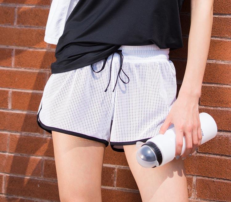 Корейский спортивные YOGA SHORTS женщин работает фитнес-марафон Йога сетка дышащие анти свет поддельные шорты и брюки shortstwo ohOQy