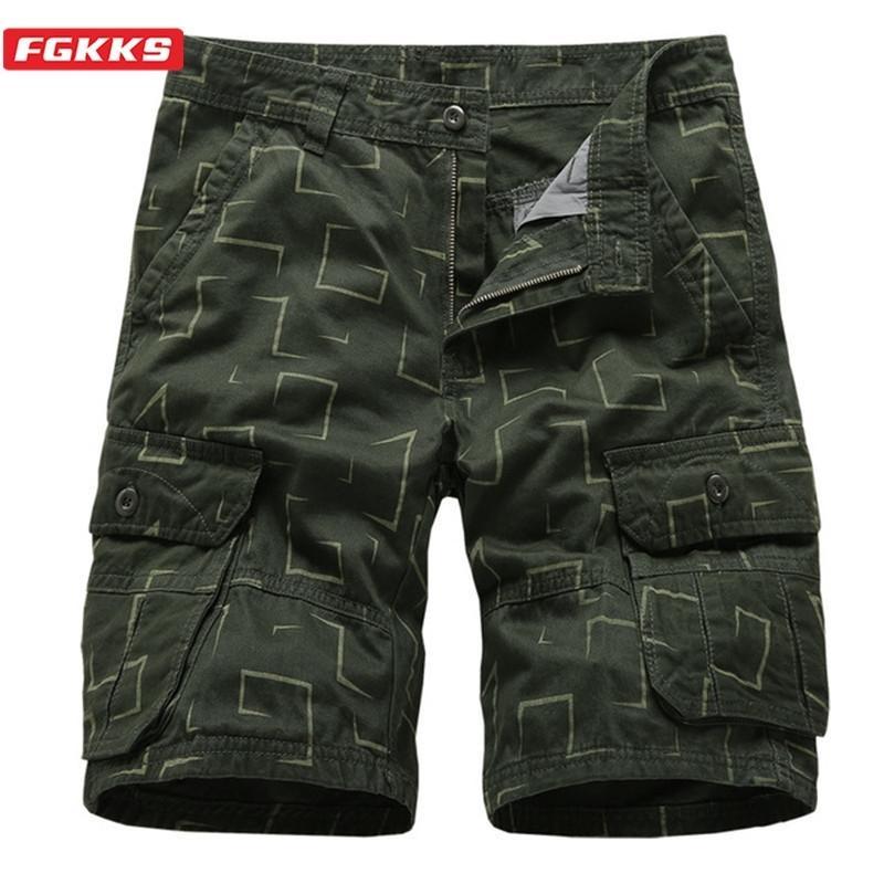 FGKKS Sommer Neue Männer Cargo Shorts Trend Marke Herren High Street Multi-Pocket Gerade Shorts Drucken Casual Shorts Male T200422