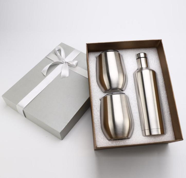 Set del vaso de vino Conjunto de vaso de huevo Conjunto de vidrio Paquete de regalo de acero inoxidable Una botella con 2 tumblers