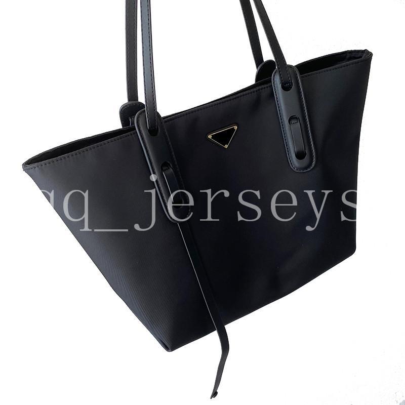 2021 New Fashion Luxury Designer Semplice commutatore a una spalla Borsa portatile Panno impermeabile Grande capacità borsa femminile