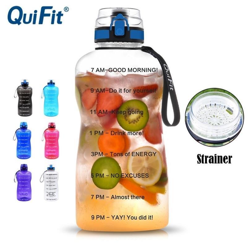 Quifit 2L 1.3L 450ml Halbgallone Tritan Sportwasserflasche mit Verriegelung Flip-Flop-Deckel-Frucht-Infuser Netto Klarer Trinkflaschen 201204