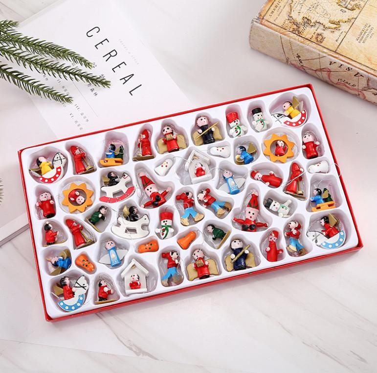 Un paquet du dernier modèle = 48 pièces, décorations de Noël, des petits pendentifs en bois, pendentifs sapin de Noël