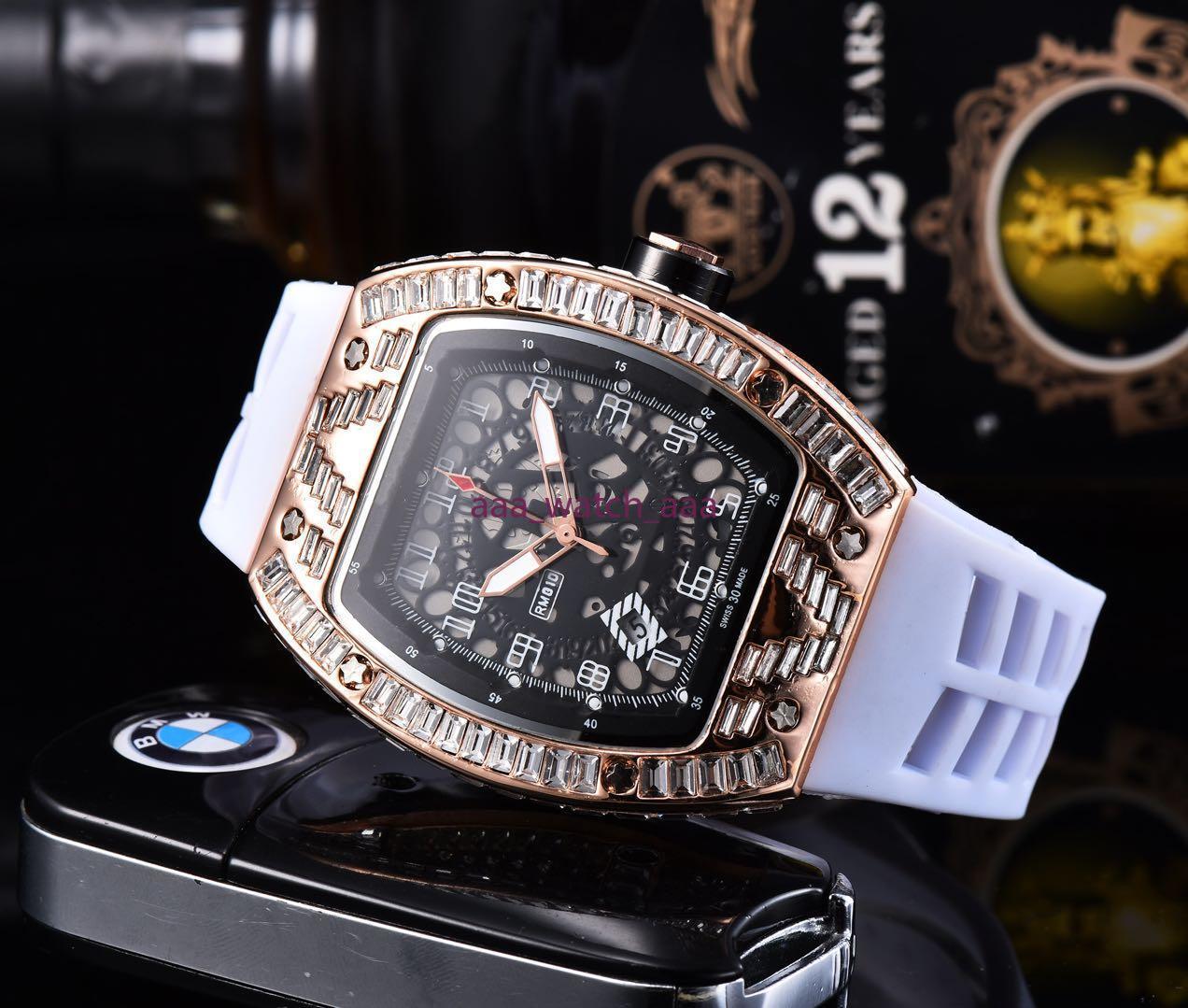 2021 해골 스포츠 시계 다이아몬드 남성 여성 쿼츠 시계 패션 시계 다이얼 상감 훈련 QUARTZ 시계 무료 배송