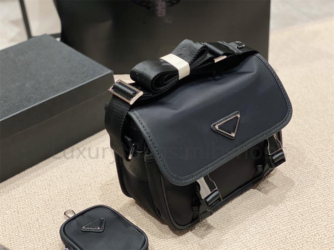 Женщины Designer Best 2021 Сумки на плече Сумки Роскошные нейлоновые сумки High Wallet Bestselling Men Crossbody Bag Countes Messenger Quali Drhjn