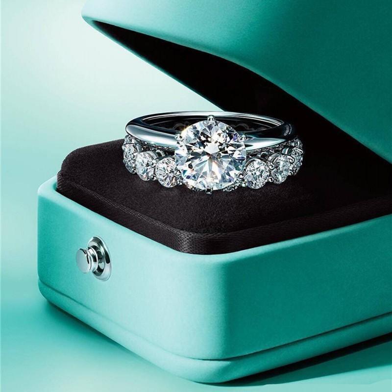 Solitaire Lab Diamond Promise Кольцо Кольцо 100% Настоящий 925 Стерлинговое Серебро Обращающаяся Свадебные кольца для женщин Свадебные Ювелирные Изделия Y1124