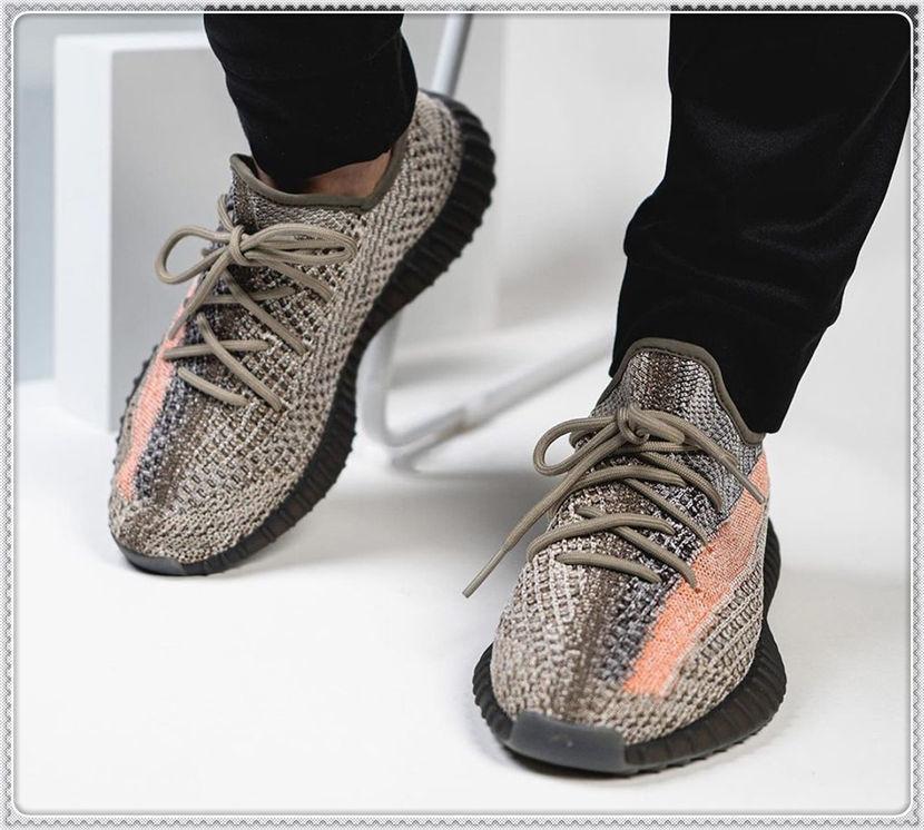 Zapatillas deportivas para mujer para hombre 2021 Kanye West Ash-Stone Sun Top Top Tienda Luz Reflectante Casual Super Sneakers Maroon Lindo Zapato Tamaño 36-48