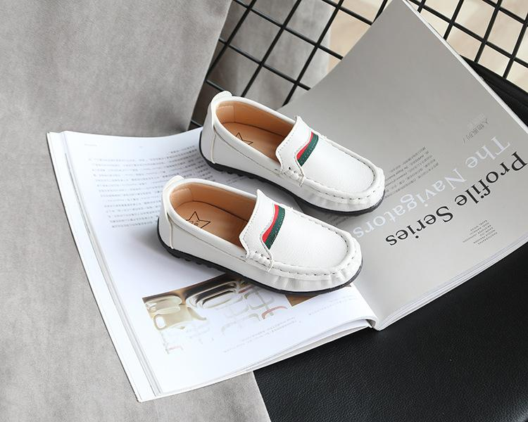 New Girls A pedal cloth shoes child Spring Autumn summer Doudou shoes Korean version Sneakers Boy baby casual shoes black white brown