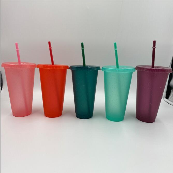 다채로운 반짝이 플라스틱 컵 24oz 깜짝 놀라게하는 컵 컵을 마시는 컵 재사용 차가운 차가운 음료 컵 아름다운 커피 맥주 머그잔