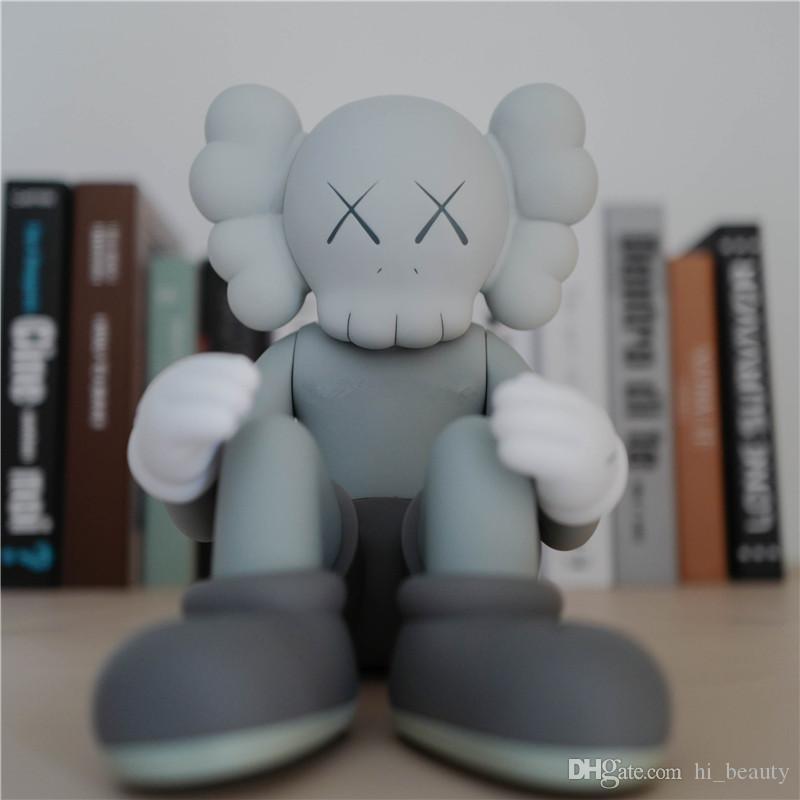 Vendita calda 25 cm originalfake mandkaws companion doll bambola seduta posizione figura con scatola originale Kaws action figure modello decorazioni regalo