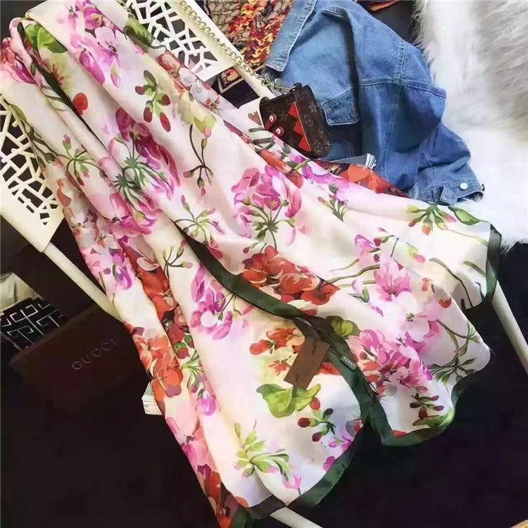 Bella qualità classica marca 100% sciarpa di seta per le donne New Spring Designer Floral Flower Sciarpe lunghe Sciarpe Sciarpe con tag 180x90cm Scialli