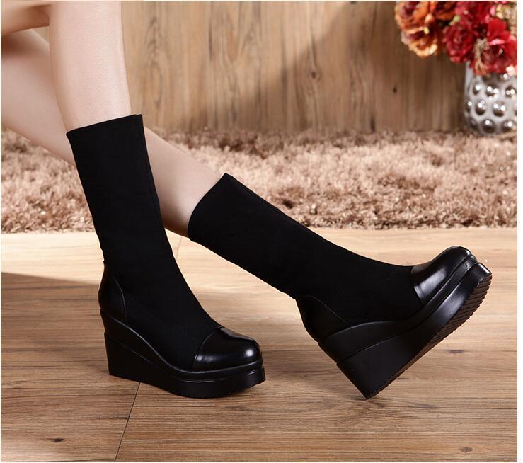 2020 Nouvelle mode Femmes Designers de luxe Bottes Bottes Casual Casual Soft Black Witner Foot Flats Épais Chaussures Lady Plateforme Wedge Big Taille 43 9 # P48