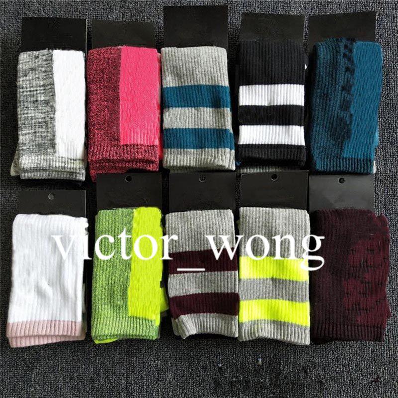 Mulheres longas meias multicolor rosa preto alto joelho meias com papelão altas meias meninas altas qaulity moda esportes skate meia