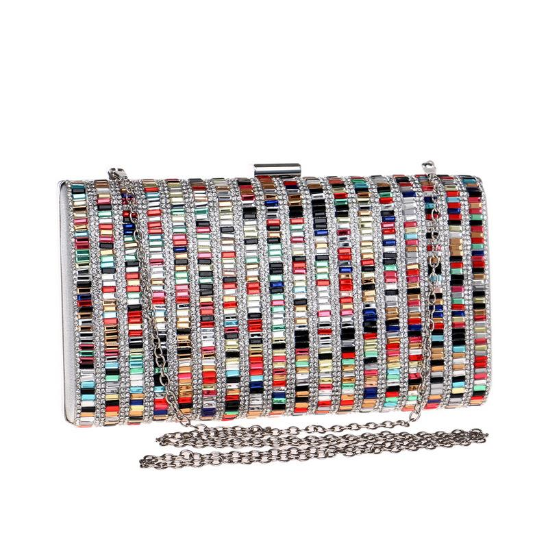 Bolso de la tarde Bolsa de embrague Diamante para bolsas de fiesta Diseñador de diamantes de imitación 2020 Mujeres Sparkly Woman SHOURS JUTI LUCHE LUXURYS BAG CRYSTAL LRNUO