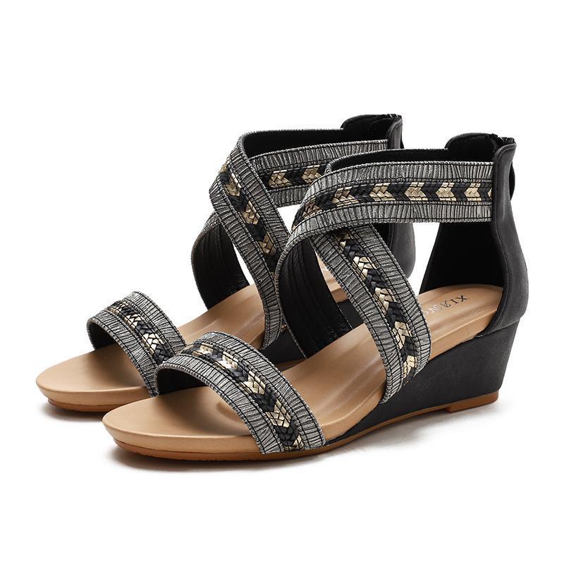 Sandalias Mujeres Cuñas Zapatos Damas Zapatos de Cuero Suave Corss Strap Design Femenino Personal Medio Bombas grandes Tallas grandes 36-42