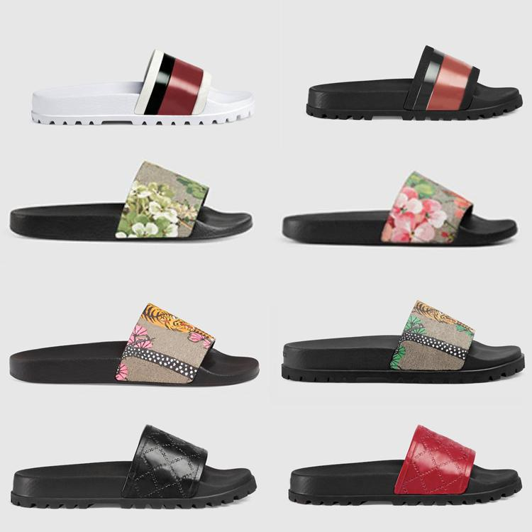 2021 Tasarımcı Kauçuk Slayt Sandal Çiçek Brokar Erkekler Terlik Dişli Dipleri Çevirme Kadınlar Çizgili Plaj Nedensel Terlik Beden Bize 5-11