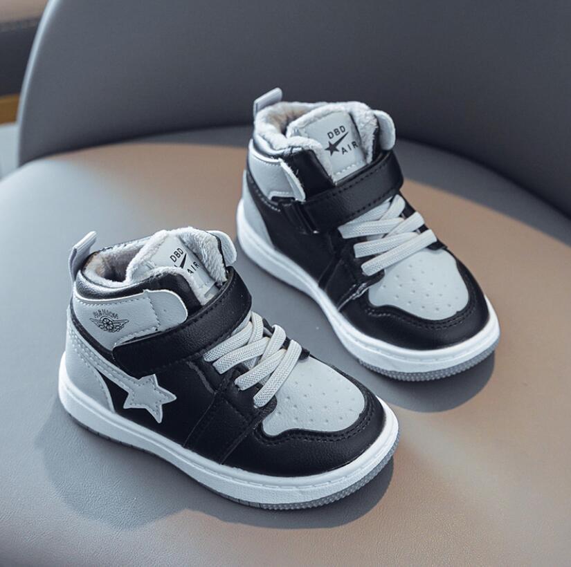 Bambino Sport Shoes peluche Stivali nuovo modo traspirante capretti Ragazzi delle ragazze dei pattini antiscivolo scarpe da tennis bambino bambino Running Shoes 201008