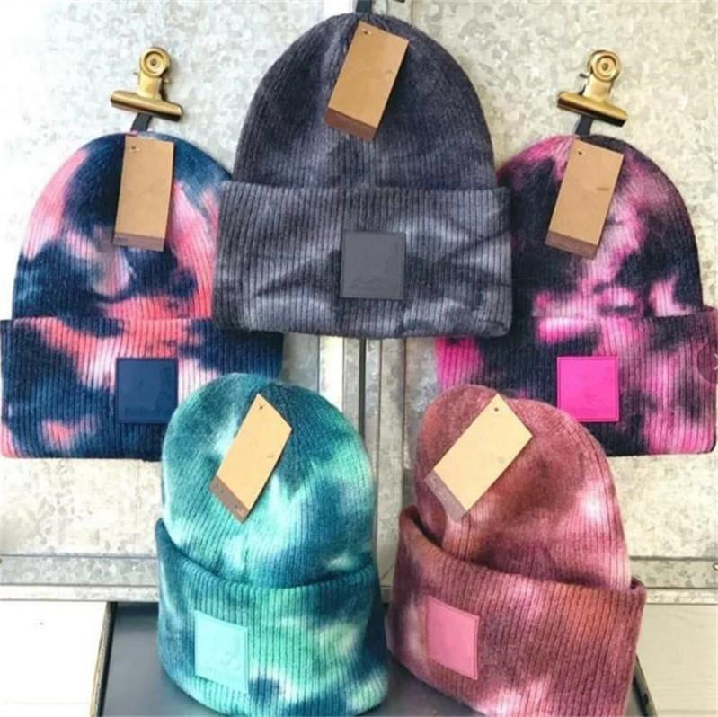 Inverno caldo Caps Tie Dye Berretti MAGLIA Crochet donne Mens Skull con etichetta sci Beanie WoolEar Muff Copricapo 6 colori F101603