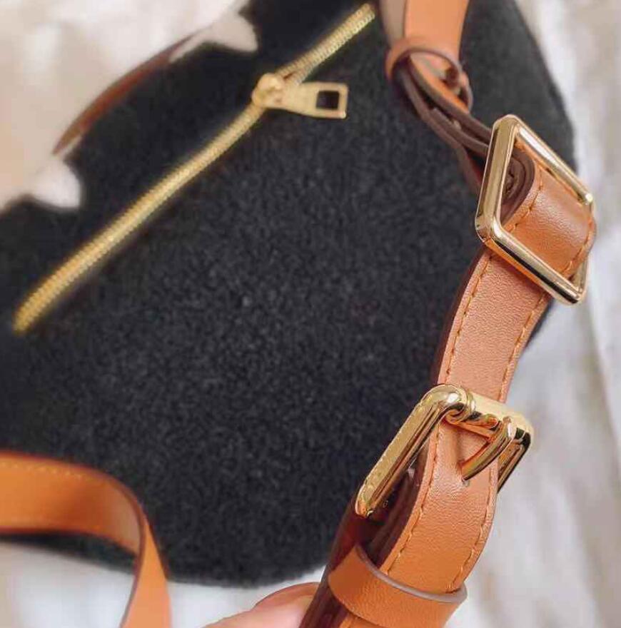 HBP Fanny Paketi Moda Bel Çantası Kış Tasarım Göğüs Çantası Kadın Çanta Çantalar Sevimli Crossbody Çanta Omuz Çantaları DHL Ücretsiz