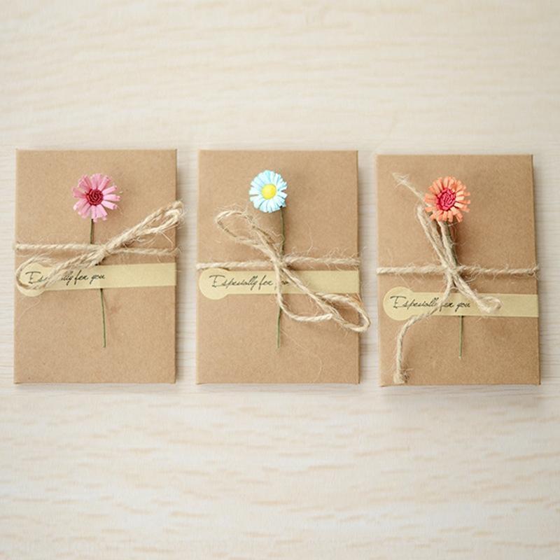HGEZL 크래프트 종이 손 바그 스토리지와 선물 가방 선물 가방 작은 꽃 스티커 보석 상자 귀걸이 반지 목걸이 저장 상자