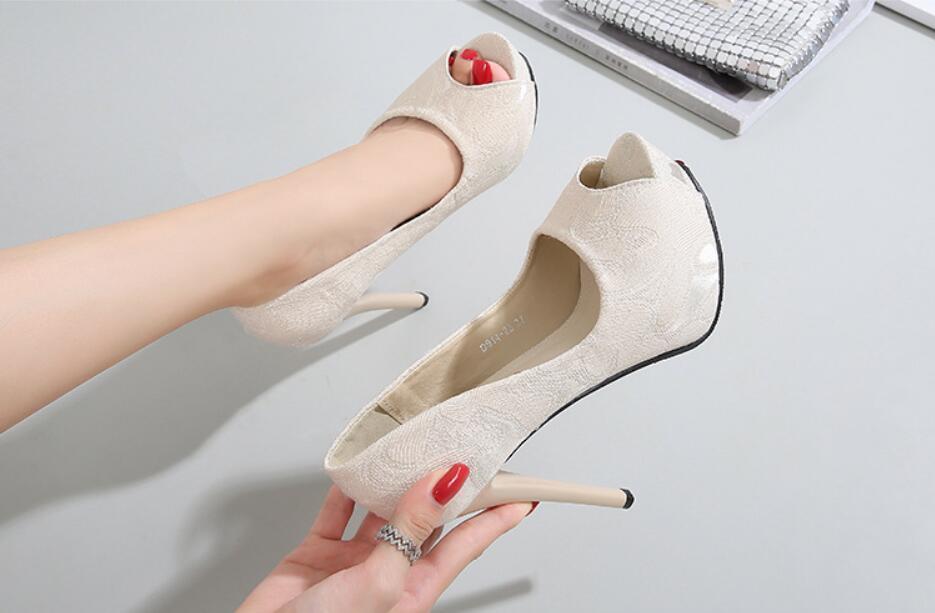 2020 Pompes féminines Automne Poisson Pache Solide Pompe à talons hauts 12-14cmcm Chaussures de dames simples plates 1WSX