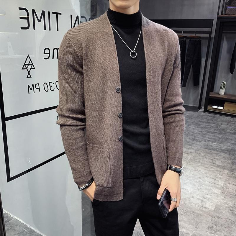 Otoño Nuevo Cardigan Hombres Ropa Moda 2020 Botón Decoración Coreana Suéter Hombres Bolsillo Folleto Flojo Casual Cardigan 3Color 3XL