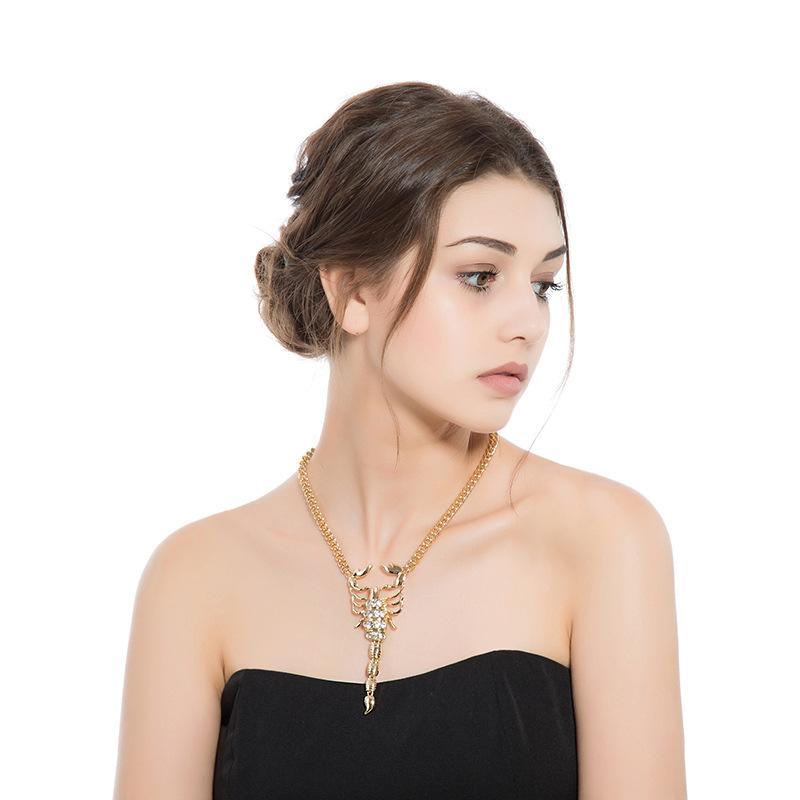 High Profile Scorpion Shaped Moda Alloy colares Retro diamante banhado a ouro Scorpion colares, Festa Jóias e Acessórios Para Mulher
