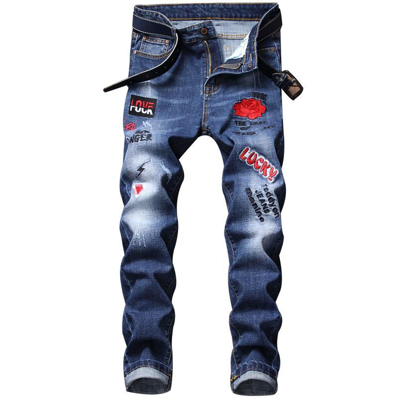 Männer Jeans Hip Hop Rock Jeans High Street Rose Gestickte Stretchend Trendige Löcher Gerade Denim Hose