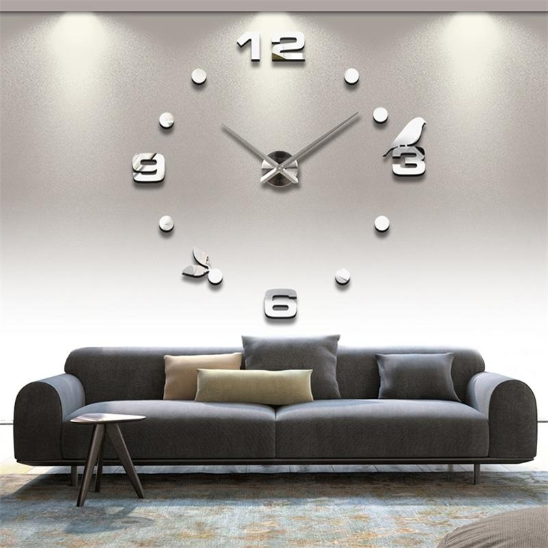 2020 Livraison Gratuite Nouveau Véritable Metal 3D DIY DIY Miroir Acrylique Mural Horloge horloge horloges Accueil Décoration Moderne Aiguille Quartz Stickers LJ201212