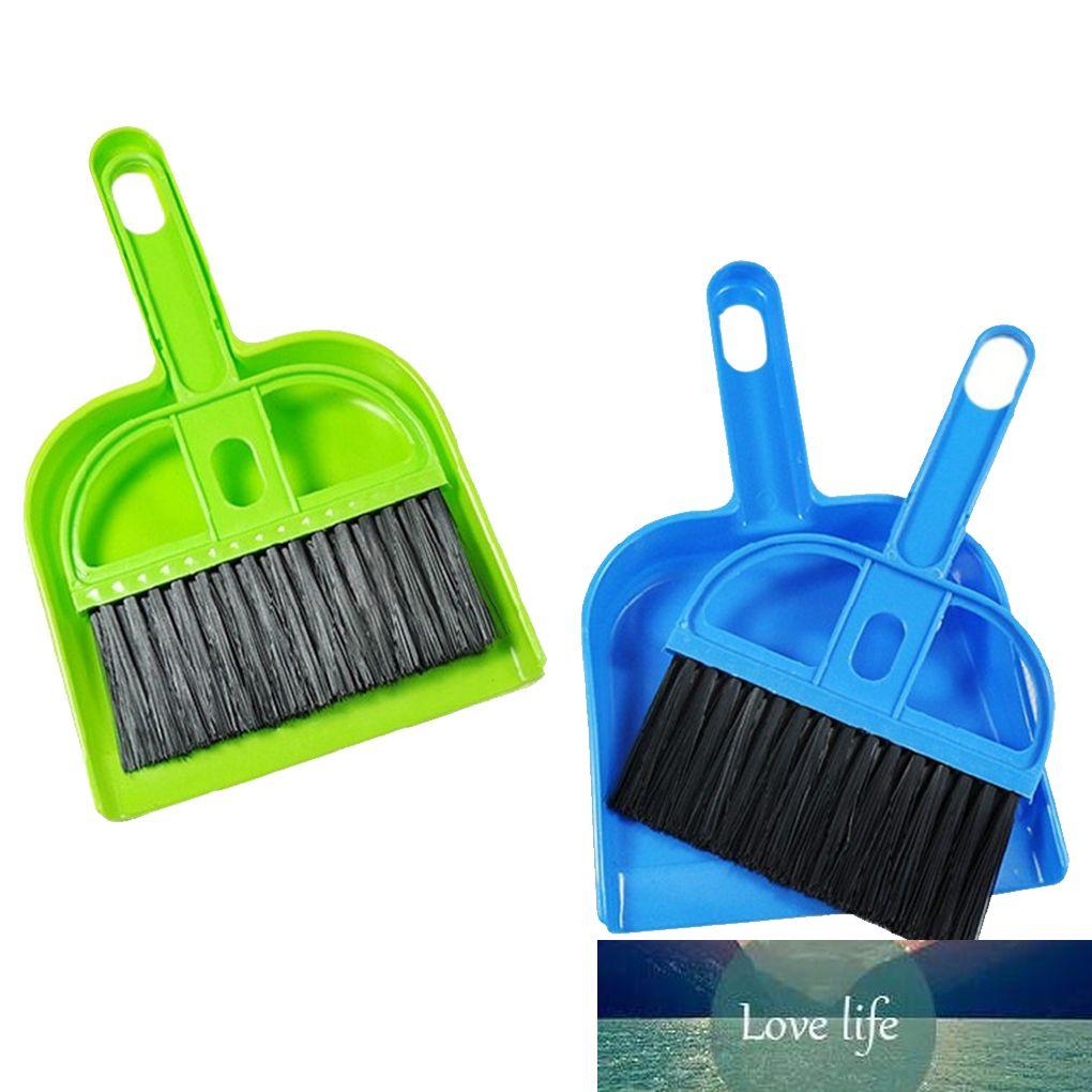 Precioso plástico Mini Desktop Sweep Broom Broom Cepillo de limpieza de la computadora Teclado Pequeño escoba Dustapaber Set Random Color