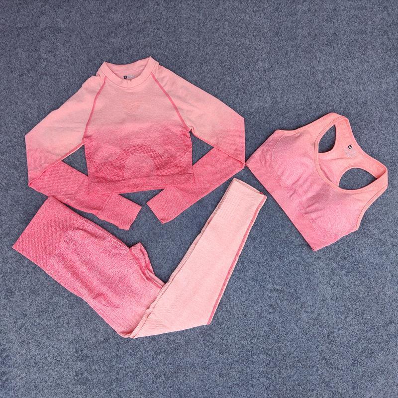 Hierba abril marca de diseño para mujer traje Yoga tres piezas conjunto sujetador 3 pantalones camisas de manga larga Sportwear chándales de fitness ropa deportiva mujer