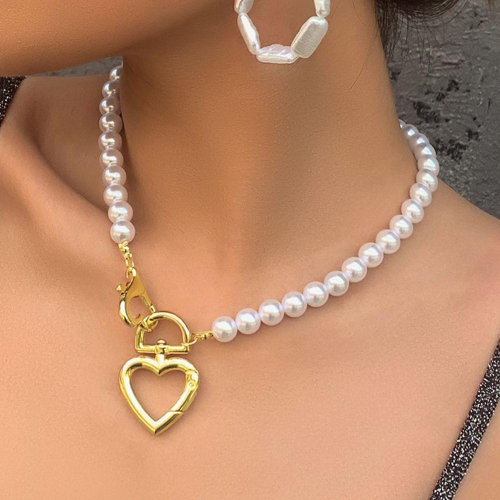 مصمم مجوهرات بسيطة بالجملة الأوروبي ولؤلؤة الأزياء الأمريكية القلائد القلب سبائك قفل قلادة القلائد الترقوة سلسلة