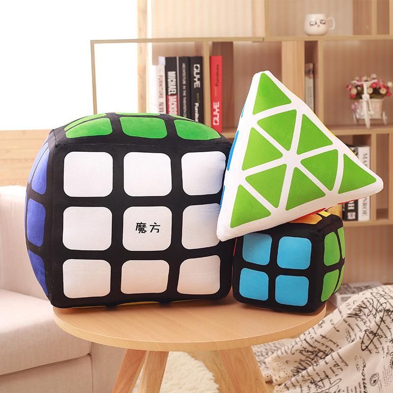 créatif cube magique en peluche oreiller cube 3D en peluche Y200428 jouet