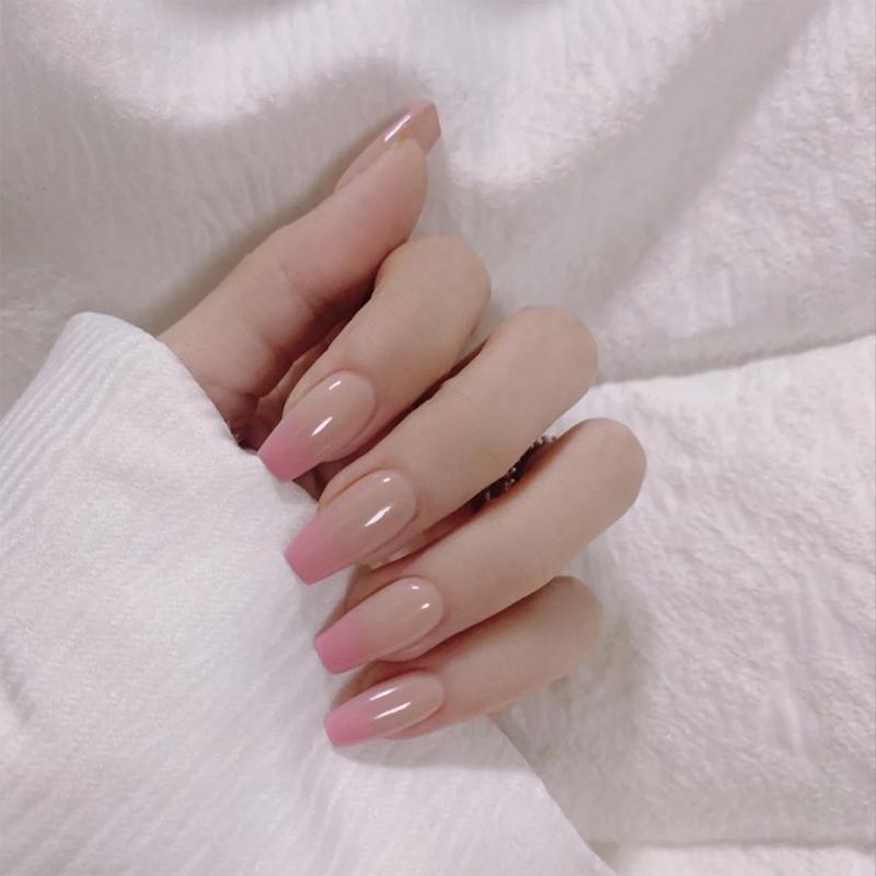 Unhas falsas 24 pcs elegante cor-de-rosa gradiente Prego Capa Completa Bailarina Med-Comprimento Prensa falsa Francesa em dicas wearable com cola