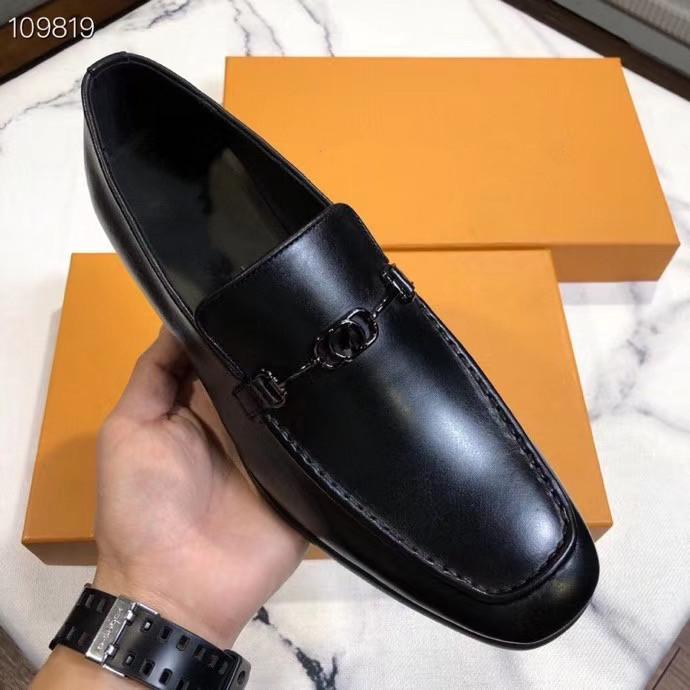 2020 Nouveau style britannique DESIGNERS Toe mariage luxurys Pointu hommes Hommes Robe Noire Chaussures en cuir et chaussures formelles blanc pour hommes