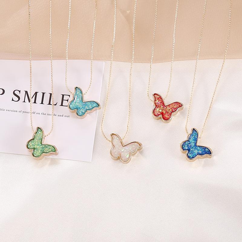Gioielli Collana dolce coreano resina farfalla collane per le donne a lunga catena Fashion Statement