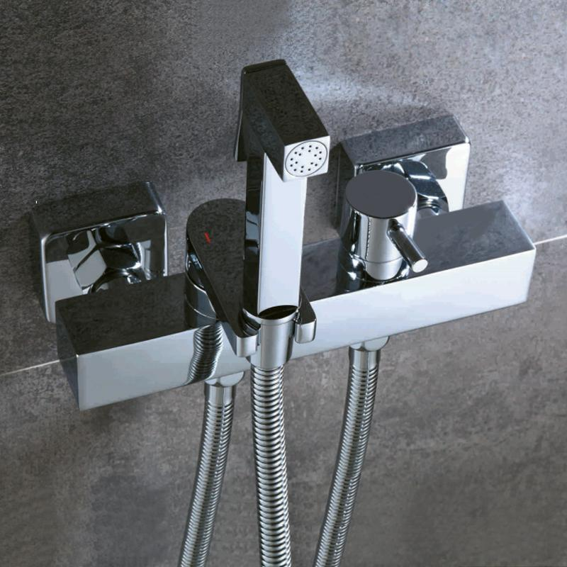 Bakala Bidets Square Messing Chrome Bidet Toilette Wasserhahn Dusche Tragbare Sprühgerät Set Warmes und kaltes Wasserhahn Hygienische Dusche