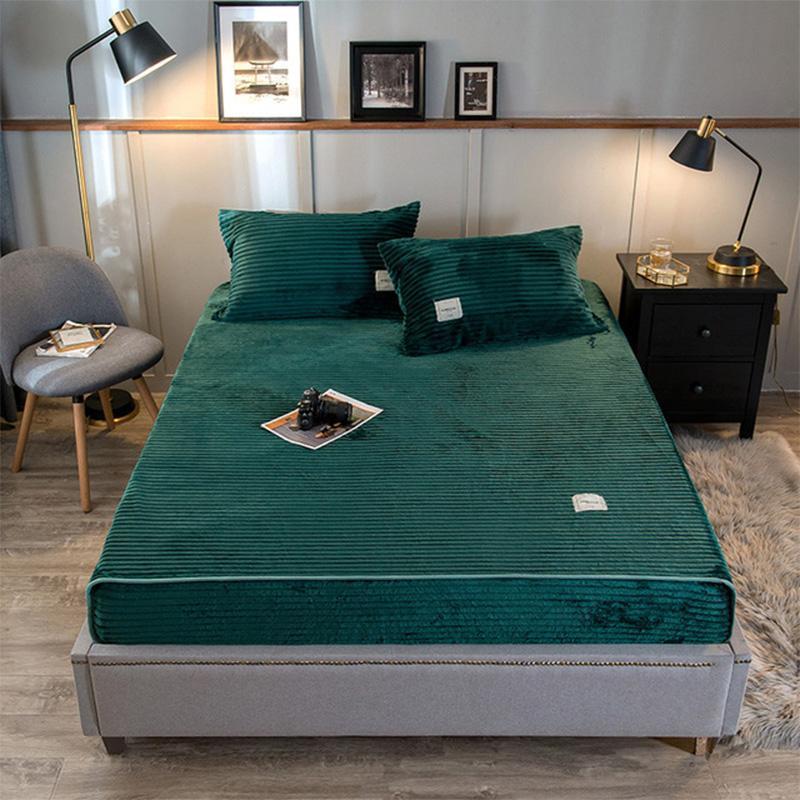 Conjuntos de cama 30 Winter Quente Coral Fleece Fitted Cama de leito com colchão elástico Capa Flanela lavável pode adicionar fronhas