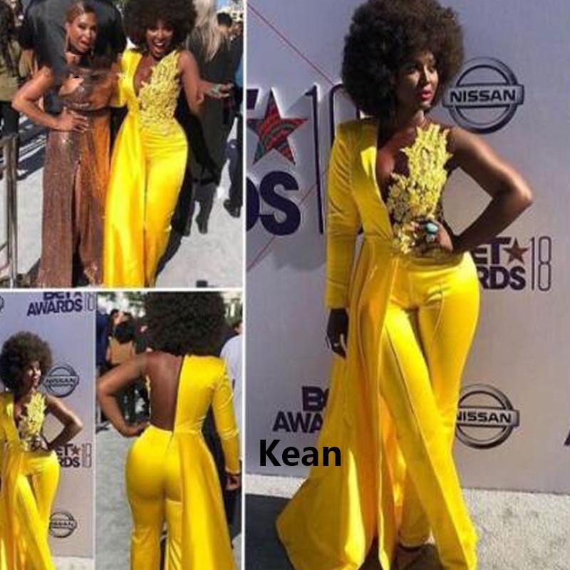 Gelbe Mode Abend Jumpsuit mit langem Ärmel 2021 Spitze Fleck Sexy V-Ausschnitt Afrikanische Plus Größendrammkleid mit Hosenanzug