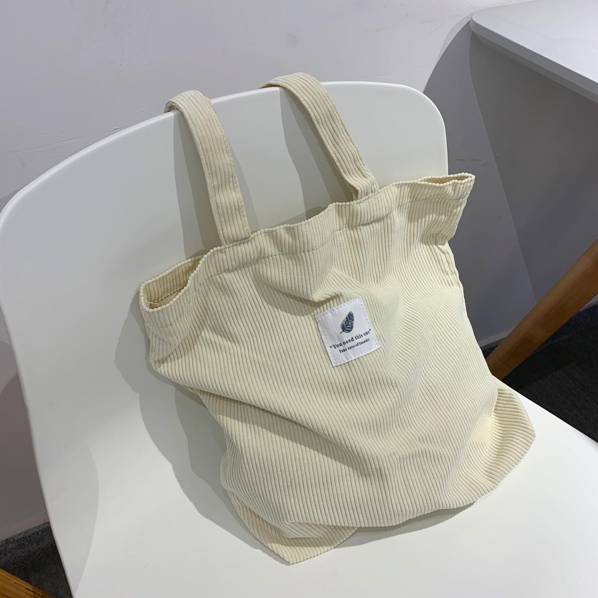 Сумки HBP для женщин 2021 Corduroy Сумка на плечо Многоразовая сумка для повседневной сумки повседневной сумки женской сумки для определенного количества брошенного падения бежевого