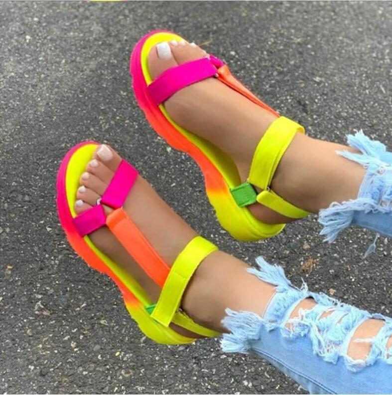 2021 Горячие Продажи Мульти Цвета Большой Размер 43 Повседневная Обувь Женщина Плоские Обрасывание Удобные Сандалии Сандалии Женские