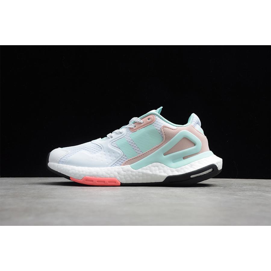 2020 New Moda Luxo Mulheres Designer Reagir Sports Shoes Homens Mulheres Dia Jogger verão nova malha externas instrutor Running Shoes Tendência Shoes