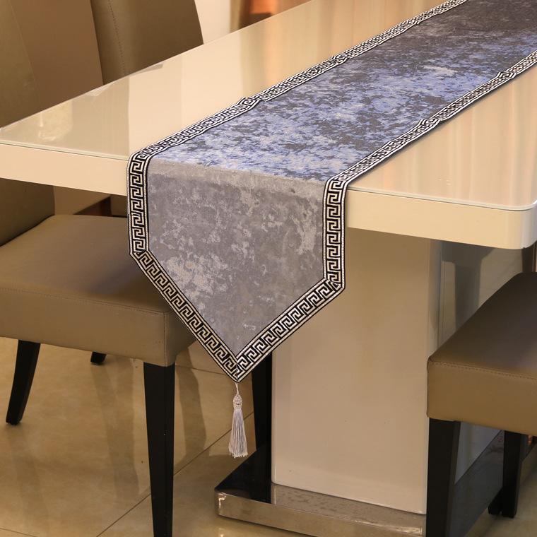 Neue chinesische High-End-massive Tischläufer-Tischdecke-Flagge-Schuhe-Kabinett-Cover-Tuch europäischer Samt Bettläufer Einfache Tischtuch EEF4858