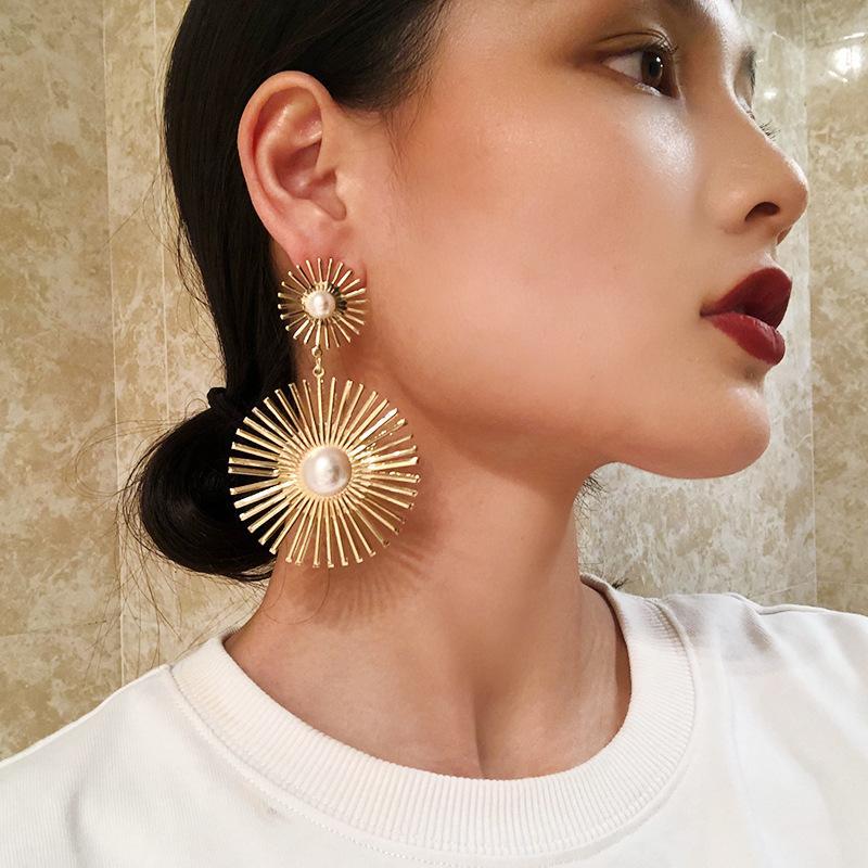 Perle Mode Or Argent Alliage Creusé Fleur Boucles d'oreilles pour femmes Bijoux Boucles d'oreilles