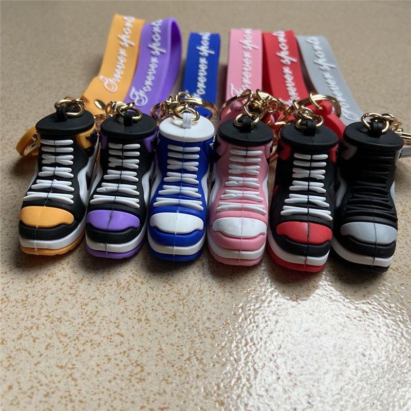 Scarpe da basket Sneaker Scarpe portachiavi cinghie 3D Stereo Sports Shoe PVC Catena chiave Pendente Pendente Pendants Pendants Gift 8 Colors