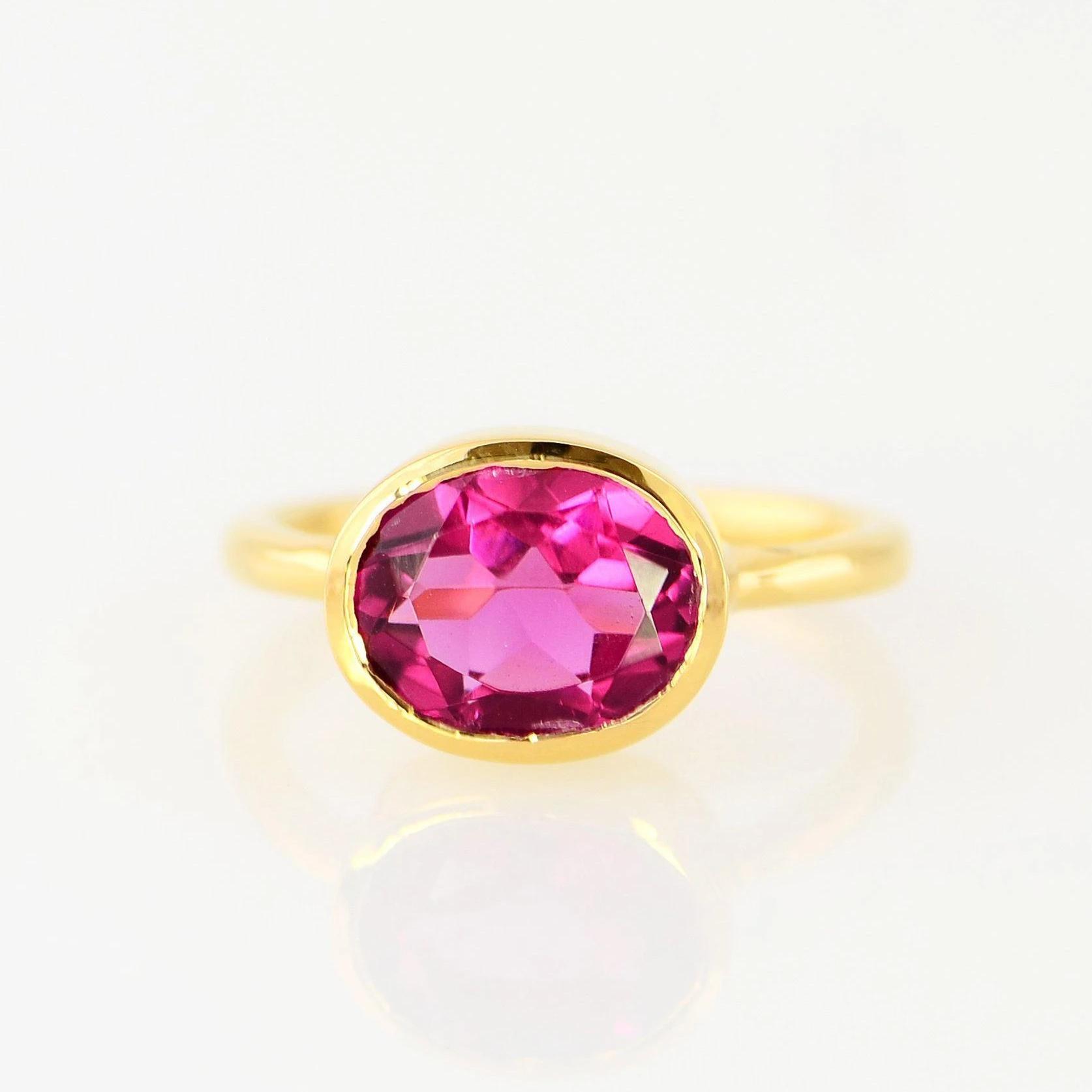 Basit Oval Kesim Kırmızı Zirkon Kristal Solitaire İstifleme Yüzükler Moda 14 K Altın Taş Nişan Yüzüğü Kadınlar Birthstone Yıldönümü Takı