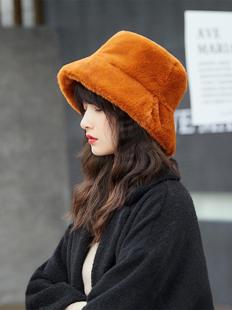 قبعة / جمجمة قبعات القبعة الصغيرة الصياد المرأة الخريف والشتاء أفخم الكورية عارضة الأزياء سميكة العشب الدافئ