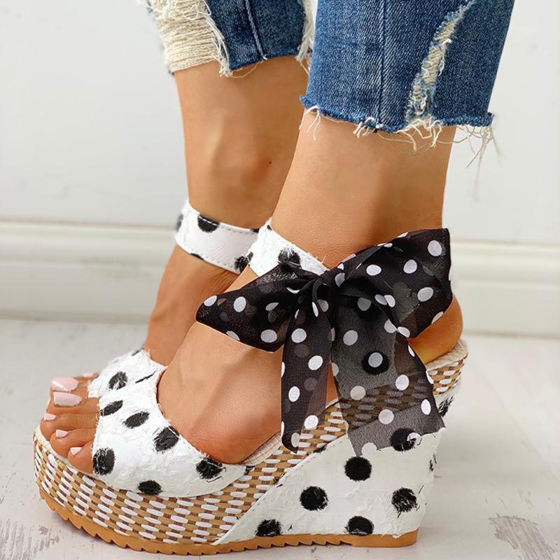 Femmes Dames Plateforme Coins Sandales de talon Sandales Fashion Dot Chaussures à lacets Chaussures Plate-forme Plateforme Coin glissades Plage Chaussures Chaussures Chaussures1