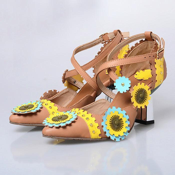 Cuero genuino Mujer Vestido Bombas puntiagudas Toe Bordado Tacones Altos Zapatos de Boda Mujer Gladiador Tachonado Zapatos Mujer1