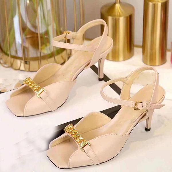 Donne di alta qualità Sandalo Designer Sandali Sandali con tacco alto in vera pelle Tempo libero Pantofole 35-42 con scatola